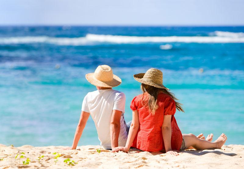 honeymoon-couple-city-and-sea-travel شهر العسل - الغردقة - شرم الشيخ - سهل حشيش - دهب - مرسى علم-